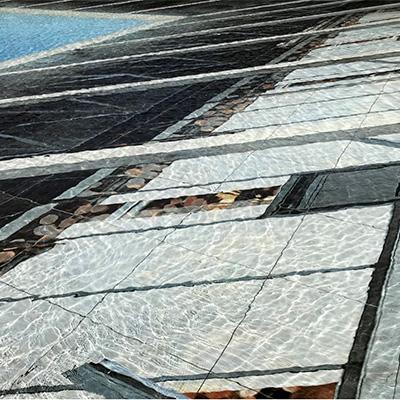 レアンドロ・エルリッヒ作「空の池」