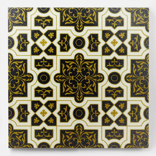 イギリスなどで使用される、オリエンタルなアンティークタイル調のデザインを再現しプリントしたタイルです。壁タイル、床タイル、Pタイルなどとして、キッチン周りや店舗内装の壁面のタイルとしてご利用頂けます。