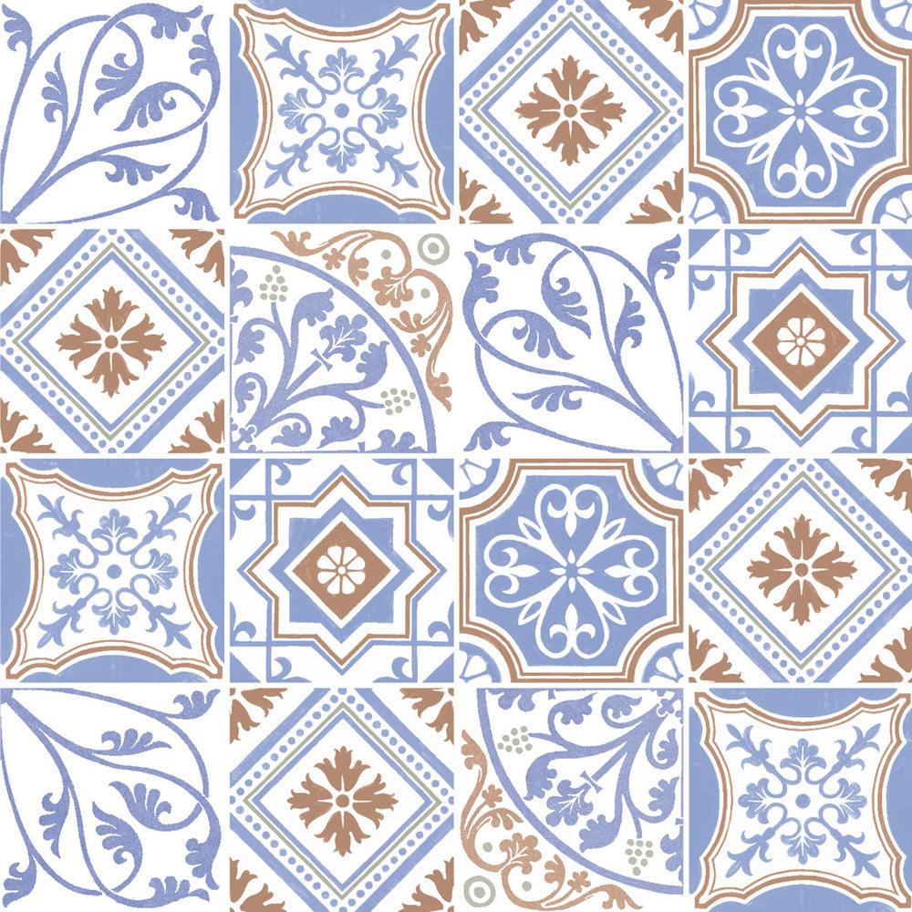 ヨーロッパのデコラティブなデザインをミックスしたプリントタイル。 カラーはブルーとオレンジのタイルらしい配色です。 室内のアクセントとして、様々なシーンでご使用いただけます。