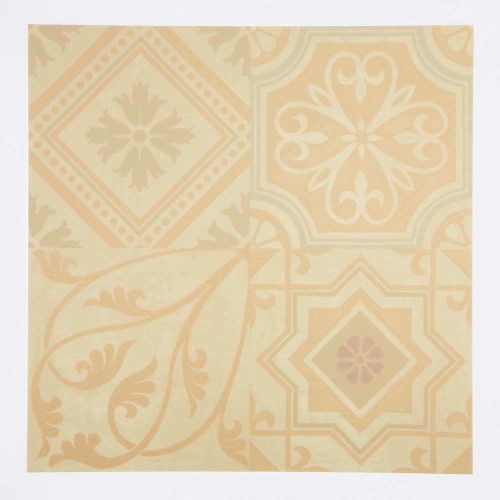 ヨーロッパのデコラティブなデザインをミックスしたプリントタイル。 カラーはベージュを基調にしたのタイルらしい配色です。 室内のアクセントとして、様々なシーンでご使用いただけます。
