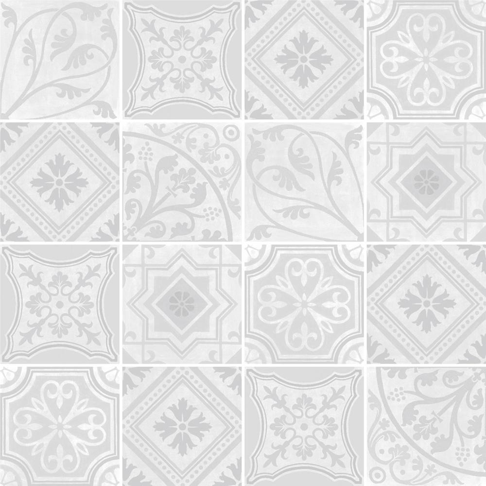 ヨーロッパのデコラティブなデザインをミックスしたプリントタイル。 カラーは薄いグレーを基調とした配色です。 室内のアクセントとして、様々なシーンでご使用いただけます。