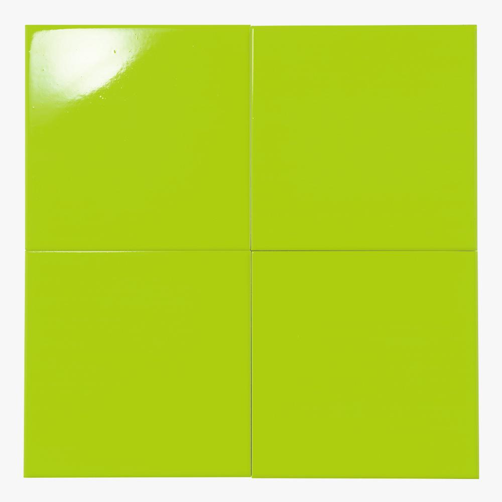 鮮やかな黄緑のプリントタイルです。