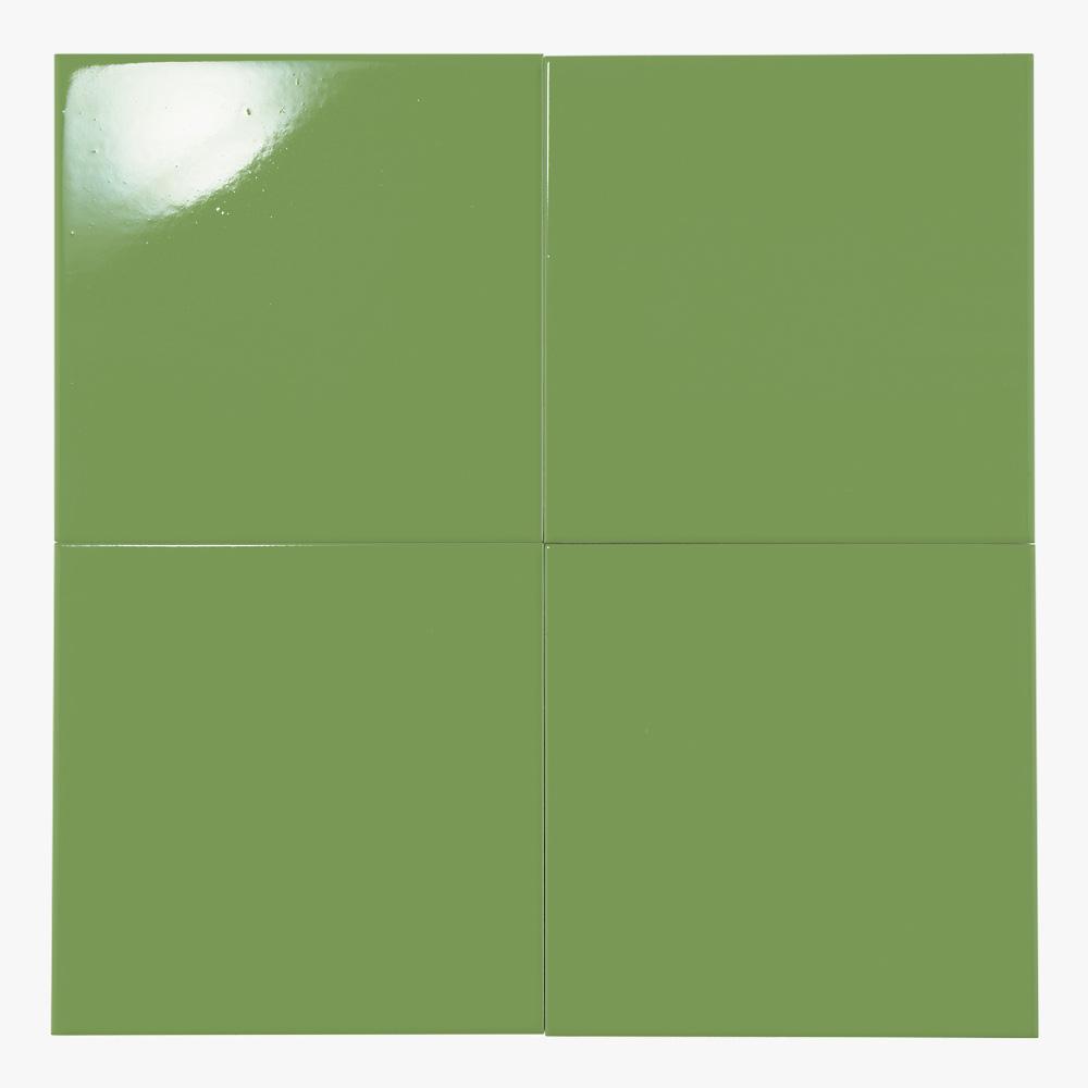 オリーブグリーンのプリントタイルです。