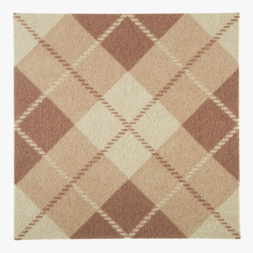 ライトブラウンのチェックのテキスタイルをプリントしたタイルカーペットです。 床、壁材として、内装のアクセントとしてご使用いただけます。