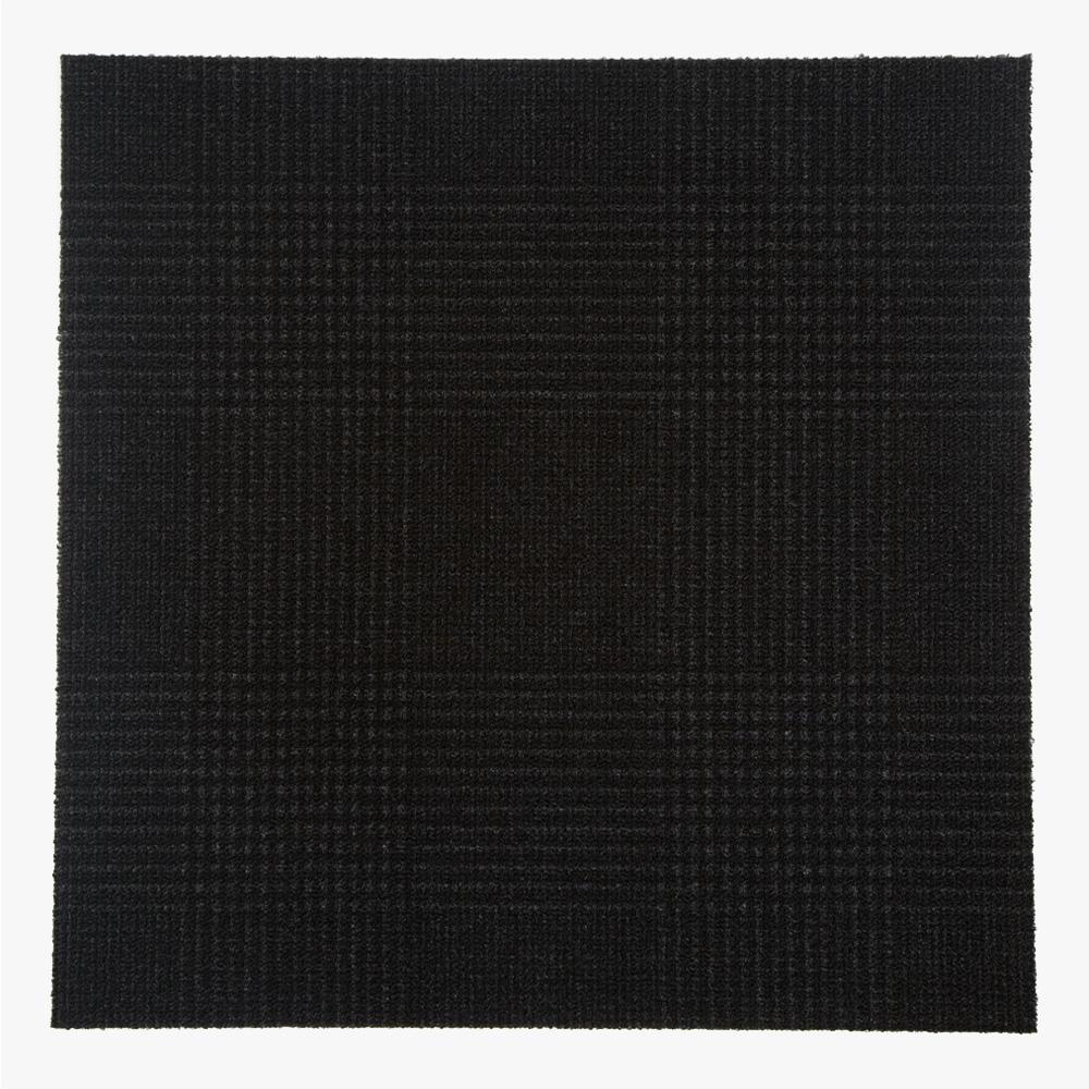黒を基調にしたチェック柄のプリントタイルです。 壁タイル、タイルカーペット、床タイル、塩ビタイルの柄としてご利用頂けます。