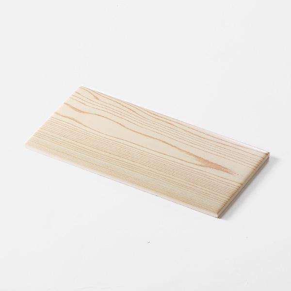 木目調プリントモザイクタイル。<br /> カラー:ナチュラル<br /> サイズ:100mm × 200mm